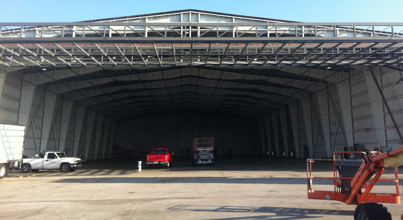 hydraulic hangar doors 122 foot by 28 foot